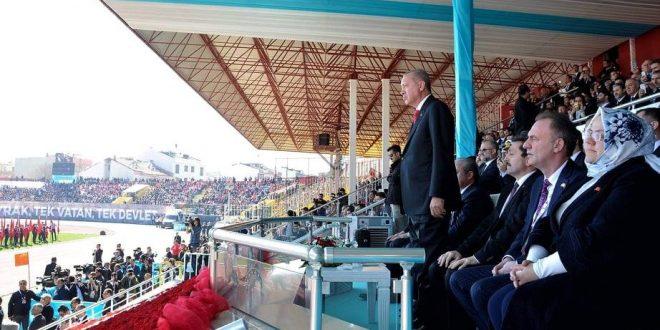 Fatmir Limaj bashkë me Erdoganin marrin pjesë në shënimin e 104-vjetorit të Betejës së Çanakalasë