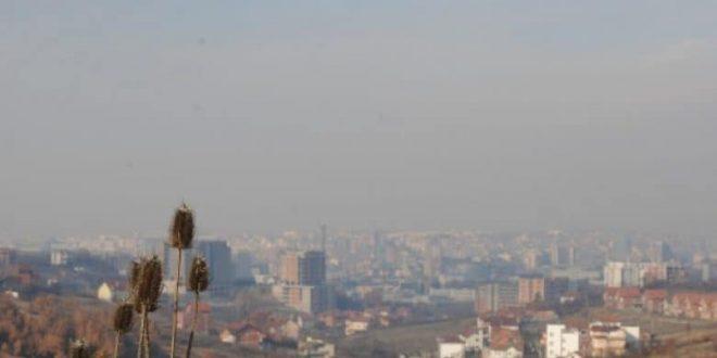 Instituti Kombëtar i Shëndetësisë: Prishtina po zhytet në smog dhe ndotje të kombinuar të ajrit me gazra dhe aerosole