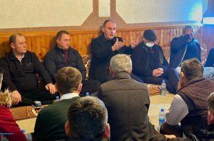 Fatmir Limaj takon bashkëluftëtarët dhe bashkëpunëtorët e Nismës Socialdemokrate në Tërpezë të Malishevës