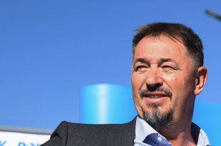 Kryetari i PDK-së, Memli Krasniqi sot ka zyrtarizuar kandidaturën e Sami Lushtakut për kryetar të komunës së Skënderajt