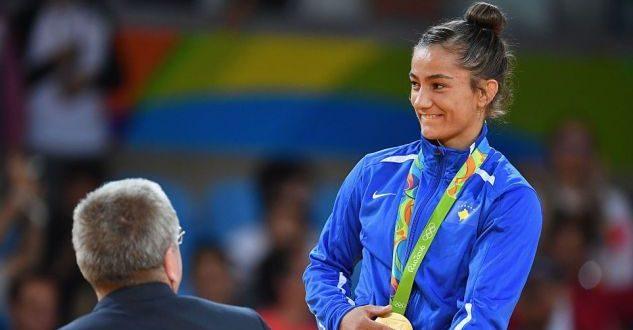 """Suksesi i xhudistëve të Kosovës: Majlinda Kelmendi, Distria Krasniqi e Nora Gjakova në """"Grand Prix"""" të Uzbekistanit"""