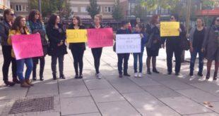 Sot u mbajt në Prishtinë marshi protestues kundër dhunës ndaj një vajze në Rahavec