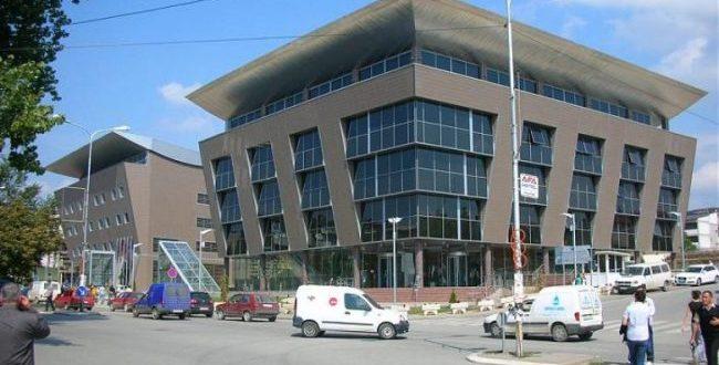 Shkatërrimi sistematik i cilësisë së arsimit në Kosovë ka një adresë dhe ajo është Qeveria e Kosovës, Ministra e Arsimit...