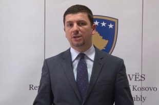 Memli Krasniqi: Lojërat me video nuk i kryen punë qytetarëve të Kosovës, barra për bllokada bie mbi Albin Kurtin