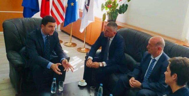 Kryetari i Grupit Parlamentar të PDK-së takoi përfaqësuesit politikë të Kosovës Lindore