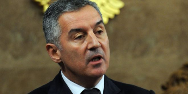 Kryetari i Malit të Zi, Milo Gjukanoviq, konsideron se Serbia është kthyer në politikën e saj të viteve '90-ta