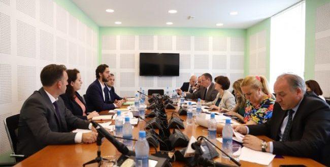 Ministri i Shëndetësisë, Uran Ismaili thotë se është përmirësuar dukshëm furnizmi me barna
