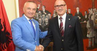 Kryetari i Shqipërisë, Ilir Meta pret në takimin ministrin e Punëve të Brendshme të Kosovës, Bejtush Gashi