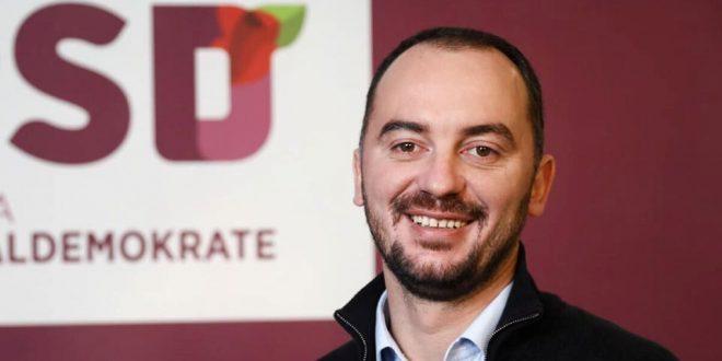 Dardan Molliqaj zgjedhet kryetar i Partisë Socialdemokratike, pas dorëheqjes se Shpend Ahmetit nga ky post