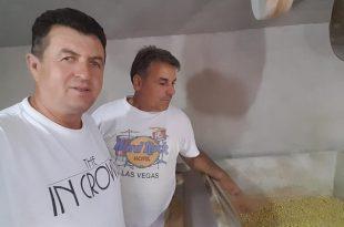 Adem Lushaj: Familja Hajrizaj ruan traditën e bluarjes së drithërave përmes mullirit me uji