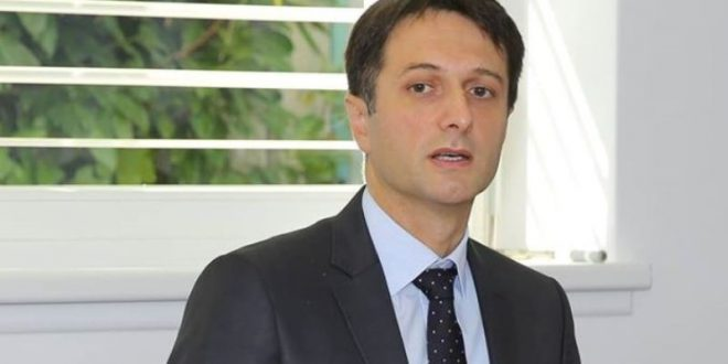 Valon Murati: Me Serbinë duhet të diskutohet edhe për Kosovën Lindore por edhe të ripërcaktohen kujfitë