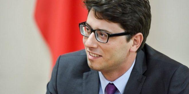 Deputeti, Hekuran Murati, thotë se ka miell më bollëk, por blerësit me pakicë nuk e gjejnë dot në asnjë shitore