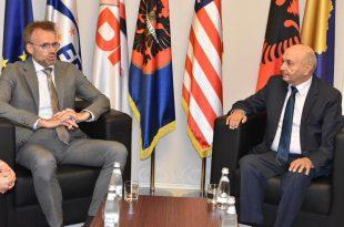 Kryetari i LDK-së, Isa Mustafa ka pritur në një takim lamtumirës ambasadorin e Norvegjisë në Prishtinë, Per Strand Sjaastad
