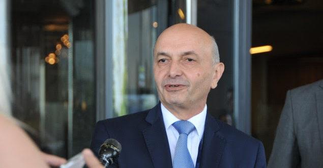 Kryetari i LDK-së, Isa Mustafa: Qytetarët e Pejës dhe të Rugovës e dinë ku është kufiri me Malin e Zi