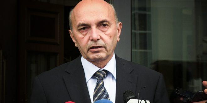 Mustafa: Bajrami është mundësi e mirë për t'i bashkuar familjet tona dhe të reflektojmë ndjenjën fisnikëruese shpirtërore