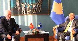 Kryeministri i Kosovës, Isa Mustafa, priti në takim ambasadorin e Malit të Zi, Ferhat Dinosha