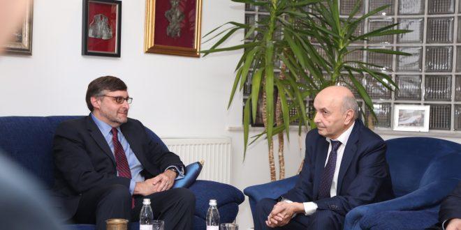 Palmer takon Mustafën, bisedojnë për institucionet e ardhshme si dhe agjendën e brendshme e të jashtme të vendit