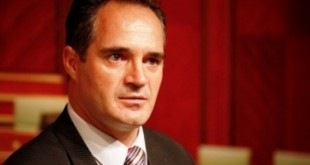 Në mesin ambasadorëve që pritet të shkarkohen nga Qeveria Kurti është edhe veprimtari, Nait Hasani, ambasador në Shqipëri