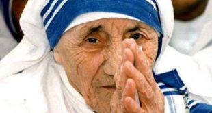 Kathimerini: Nënë Tereza kishte lidhje të fshehta me regjimin e Enver Hoxhës dhe financime të dyshimta