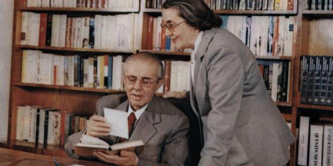 Nexhmije Xhuglini-Hoxha (8 shkurt 1921 – 26 shkurt 2020)