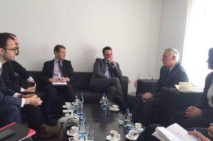 NISMA pret në takim ambasadorin e Anglisë, Ruairí O'Connell dhe drejtorin e Fondit Devin O'Shaughnessy