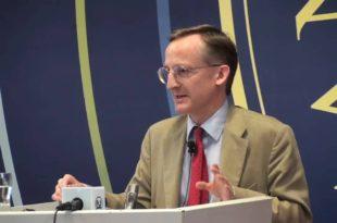 Noel Malcolm: Bashkimi i Shqipëri-Kosovë është krejtësisht legjitim