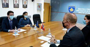 Ministri i Financave, Hekuran Murati e pret në takim njohës ambasadorin norvegjez, Jens Erik Grondahl