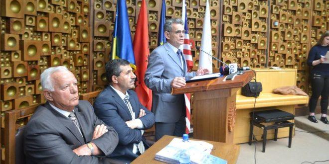 """U përurua libri universitar: """"Edukata qytetare"""" e autorëve: Dr. Sabri Rexha dhe Dr. Nusret Pllana"""