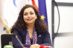 Kandidatja për kryeministre nga LDK, Vjosa Osmani, takon banorët e disa fshatrave të Mitrovicës