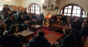 Kryetarët e DeKryetarët e Degëve të OVL të UÇK-së Deçan, Pejë e Burim vizituan familjen Haradinaj në Gllogjangëve të OVL të UÇK-së Deçan, Pejë e Burim vizituan familjen Haradinaj në Gllogjan