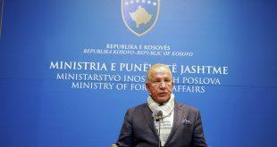 Ministri i Jashtëm i Kosovës, Behxhet Pacolli e shpall Peter Handke person të padëshiruar në Kosovë