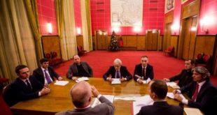 Bisedimet për themelimin e qeverisë mes LSDM-së dhe partive shqiptare mund të dështojnë për gjuhën shqipe