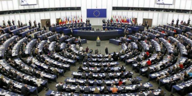 Parlamenti Evropian e miraton raportin me të cilin BE-ja i pezullon negociatat për anëtarësim e Turqisë