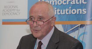 Pjer Mirel, paralajmëron se skenari i shkëmbimit të territoreve bart rreziqe sigurie për Maqedoninë dhe rajonin