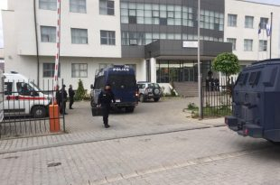 Gjatë aksionit policor në veri të vendit, është arrestuar edhe komandanti i Policisë së Kosovës në Zubin Potok