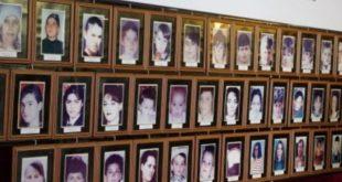 22 vjet nga masakra në Poklek dhe Çikatovë të Drenasit në të cilën mizorisht u vranë dhe u dogjën 77 civilë shqiptarë