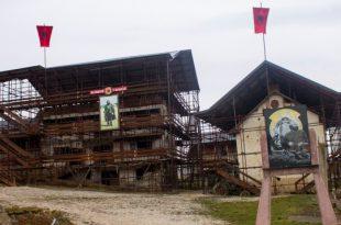 """Qeveria e Republikës së Kosovës ndanë 200 mijë euro për Kompleksin Memorial """"Adem Jashari"""" në Prekaz"""