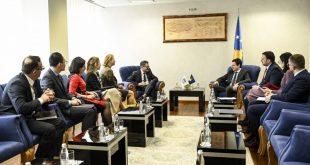 Kryeministri i Kosovës, Albin Kurti, ka pritur në takim një delegacion të Fondit Monetar Ndërkombëtar