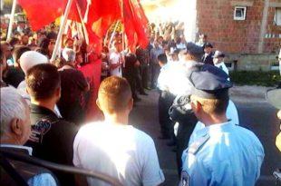 Banorët liridashës të Mushtishtit, me flamuj kombëtarë në duar dhe me brohoritje për UCK-në, nuk i lejuan serbët të hyjnë në fshat
