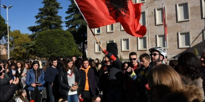 Nesër në Tiranë marshohet drejt ambasadës së Maqedonisë së Veriut për njohjen e të drejtave të popullit shqiptar