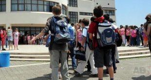 Instituti EdGuard: Ndikimi i peshës së çantave te fëmijët ka nxitur debat dhe shqetësimin e prindërve