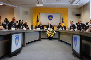 Qeveria e Kosovës e cilëson të panevojshëm ligjin për menaxhimin e pandemisë të inicuar nga Vjosa Osmani