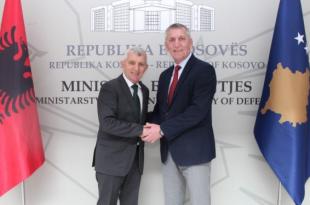 Ministri Anton Çuni priti në takim ambasadorin e Republikës së Shqipërisë, Qemal Minxhozi