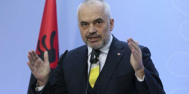 Edi Rama: Të gjitha familjet e mbetura pa çati do të strehohen në hotelet e Durrësit, Kavajës dhe të Vlorës
