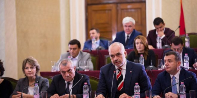 Kryetari i Partisë Socialiste, Edi Rama ka dhënë porositë e fundit për fushatën për zgjedhjet lokale të 30 qershorit