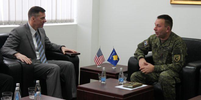 Rrahman Rama priti në takim shefin e Komandës amerikane për operacione speciale në Evropë, Mark Shwarc