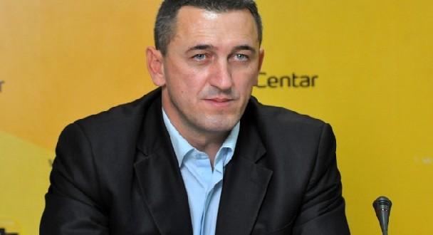 Rashiq: Asnjëherë më parë nuk ka pasur ndarje kaq të madhe dhe urrejtje në mes të serbëve në Kosovë