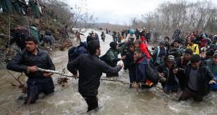 Maqedonia ka kthyer në Greqi 700 refugjatë në mesin e tyre edhe 28 gazetarë dhe reporterë të huaj