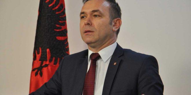 Rexhep Selimi: Ka Kosova patriotë e intelektualë të shquar që mund të bëhen ministra shqiptar para Shahinit e Cakajt