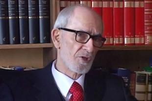 """Dr. Rexhep Qosja thotë se """"Fjalori Enciklopedik i Kosovës"""", i hartuar nga Akademia e një klani privat është fjalor antikombëtar"""